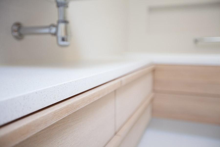 GRAMACO — Bekleding natuursteen voor badkamer en douche